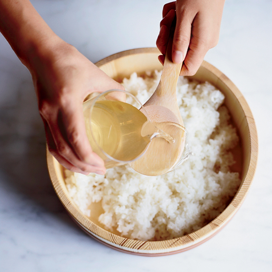 Чем заменить рисовый уксус